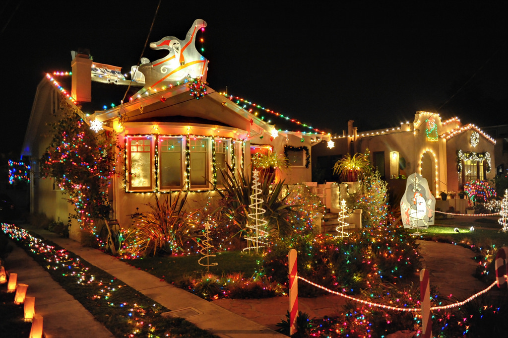 holiday lights in the East Bay