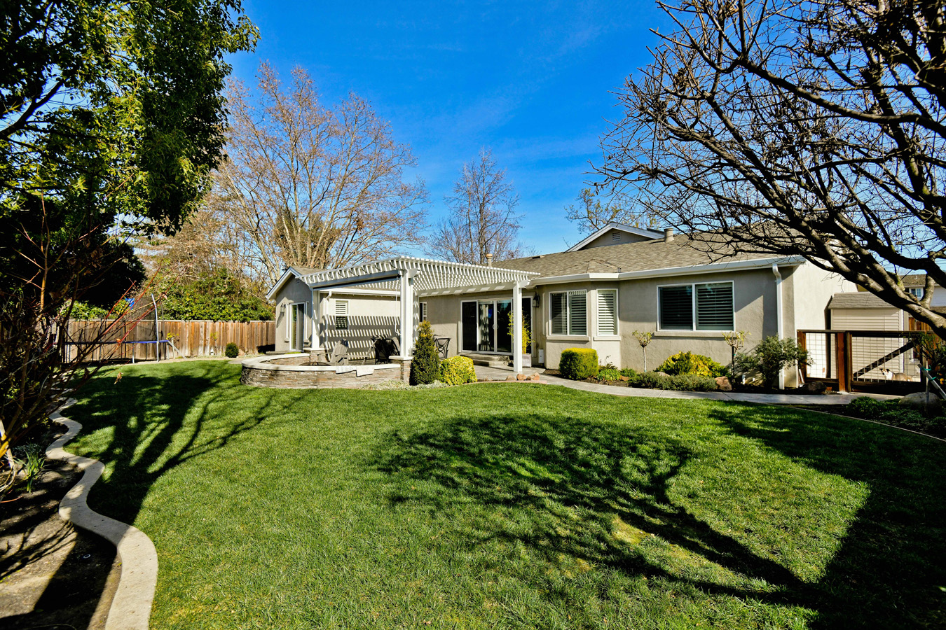 211 Las Lomas Way, Walnut Creek, CA 94598