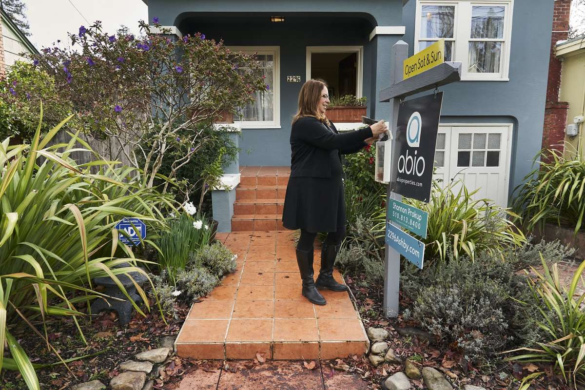 Bay Area median home price fell 2.3% last year, first annual drop since 2011