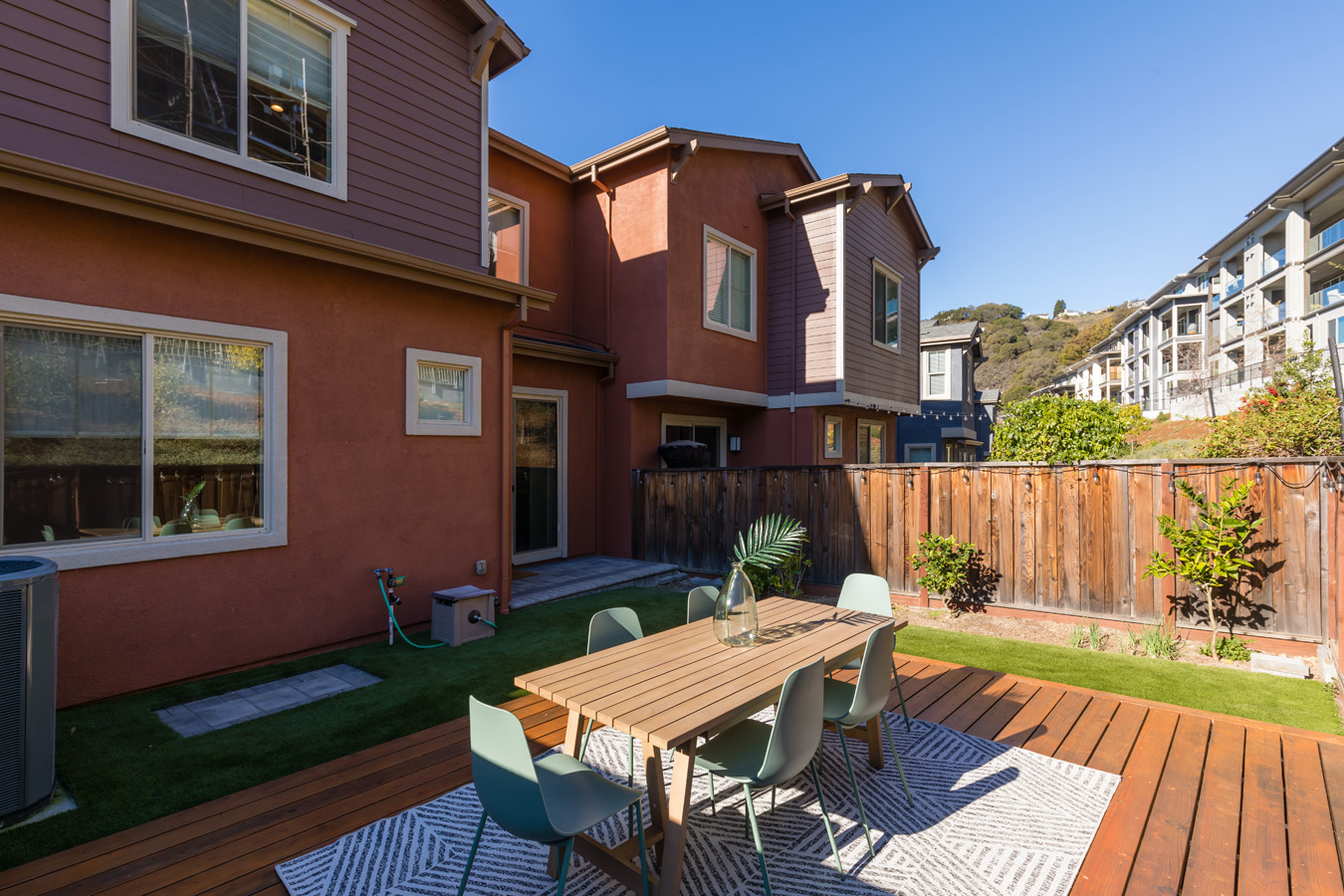 6508 Bayview Drive, Oakland, CA 94605
