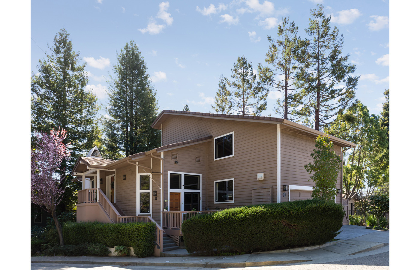 23 Bay Forest Drive, Oakland, CA 94611