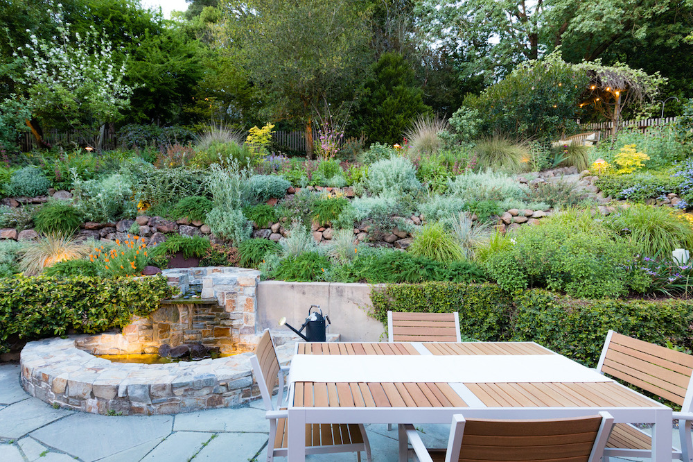 Staging an outdoor dining space